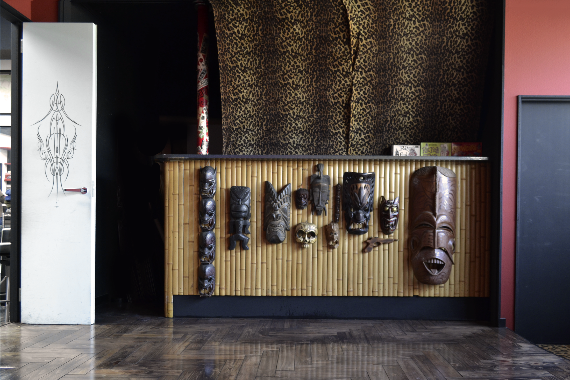 Black and gray worksメインイメージ | KINGRAT TATTOO | LAVA gallery | 福岡県北九州市